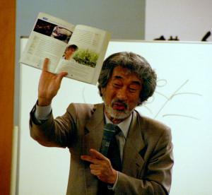 松寿苑の60周年記念講演で畠山さんが講演