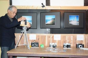 七百石ギャラリーでピンホールカメラで撮った梅原隆さんの写真の展示会が開かれている。