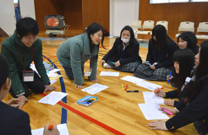 綾高1年生と大学生が交流