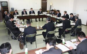 「中丹地域雇用創出活力会議」が17日に綾部総合庁舎で開かれ、現状報告や意見を述べ合った。