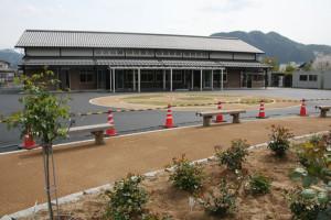 都市交流拠点施設「あやべ特産館」のオープンが5月24日に決まった。