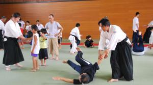 市合気道協議会は7月13日と27日に市武道館で開く合気道教室の受講者を募っている。