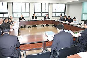 市は27日、政府の地方創生の動きに対応するための「市創生推進本部」(本部長=山崎善也市長、14人)を立ち上げた。