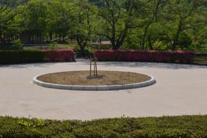 市は4月28日に開いた定例会見の中で、平成21年度から5年がかりで進めてきた味方町の紫水ケ丘公園再生整備工事が完了し、8日午前10時から、さくら広場でグランドオープン式典を催すことを発表した。