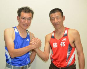 全日本マスターズ陸上大会で入賞した木下さん(左)と小林さん