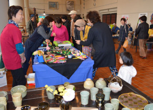 中丹地域で活動する作家たちが作品を展示販売した工芸作家展(里町で)