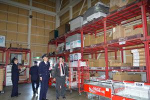 埼玉県三芳町の通信販売会社物流倉庫で火災が発生したことを受けて市消防本部は22日、府綾部工業団地立地企業で3階建や高層倉庫を持つ工場を対象に緊急査察を行った。