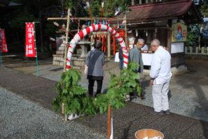 市内各地の神社で18日、厄除けや開運、交通安全などを祈願する例祭が行われ、市民らが参拝に訪れた。