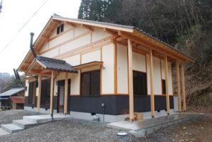 福井県境にある老富町大唐内(おがらち)の市営住宅「定住促進住宅」の入居者を市が15日から募集する。受付期間は28日まで。同住宅は平成20年の建築で、入居期間の定めはない。木造平屋建てで間取りは2LDK、家賃は月額3万円。