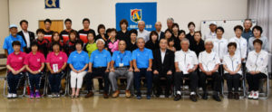 今月から11月にかけて開催されるスポーツの全国大会や近畿大会に府代表として出場するチームと選手の激励会が3日、並松町の市民センター多目的ホールであり、市体育協会の由良大司会長から励ましの言葉を受けた選手たちが大会での活躍を誓った。