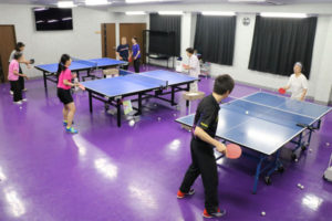 広小路2丁目の卓球クラブ「PPC綾部」が、シニア世代に人気だ。