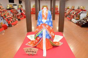 青野町のグンゼ博物苑(吉川智美苑長)・集蔵で20日から、市民らから寄せられた雛人形を一堂に展示する「あやべグンゼスクエアDEひなまつり」が始まった。