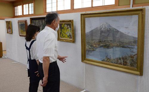 吉美公民館は多田町の市農業振興センターで28日まで、「坂本正洋画展」を催している。開催時間は午前9時~午後5時で入場無料。市内の地区外からの来場も歓迎するが、来場時はマスク着用のこと。